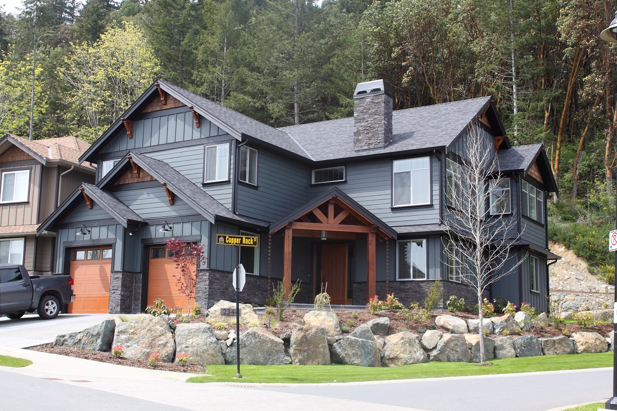A new build house in Echo Valley, Bear Mountain. We did the concrete, framing, finishing and General Contracting. The first person that walked in the finished house bought it.